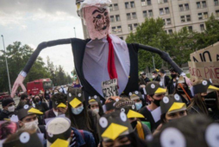 Oposición favorece juicio contra Sebastián Piñera